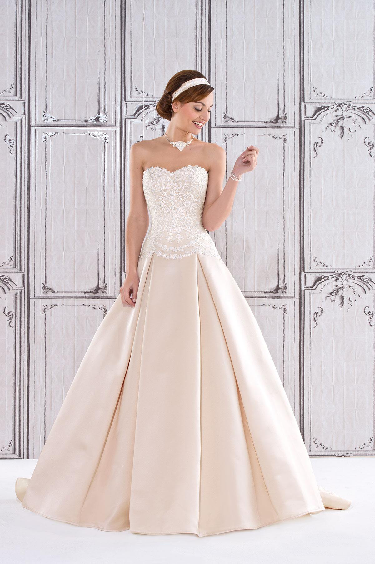 Großzügig Mieten Brautkleid London Bilder - Hochzeit Kleid Stile ...